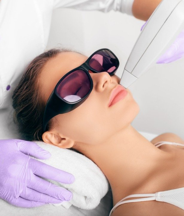 procedure-laser-epilation-for-removing-hair-on-face-picture-id1097329488